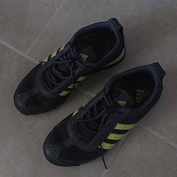 Daroga adidas sports shoes